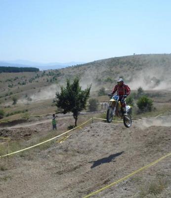 Мото трка во Забел