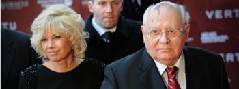 Холивудски ѕвезди на 80 -ти роденден кај Горбачов