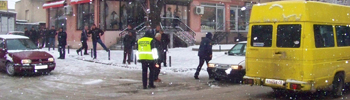 Снегот го отежна сообраќајот во државаат