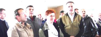Црвенковски ги посети стечајците