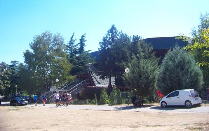 Започна реконструкцијата на кровот на спортската сала во Куманово, вредна 320 илјади евра