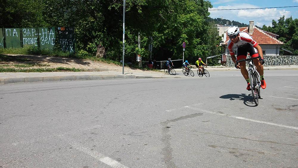 """Успешен настап на велосипедистите од """"Вело-М"""" на трка во Бугарија"""