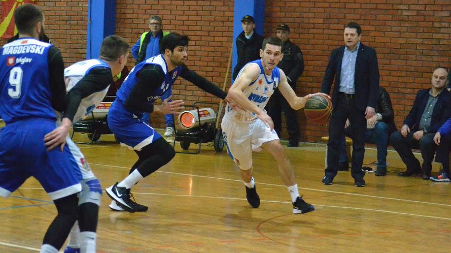 Куманово поразено од шампионот МЗТ Скопје