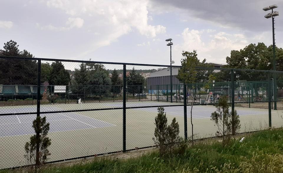 Клубовите и граѓаните бараат побрзо да се отворат тениските терени, Општината најавува за 1 јуни