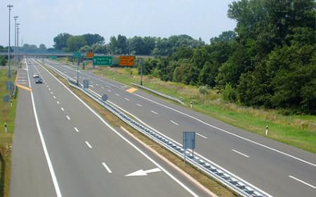 Сообраќајот умерен и по суви коловози