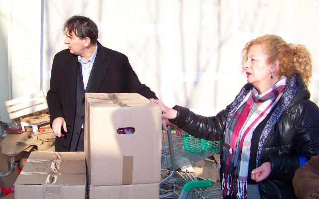 Поделени пакети со храна на жртви на трговија со луѓе