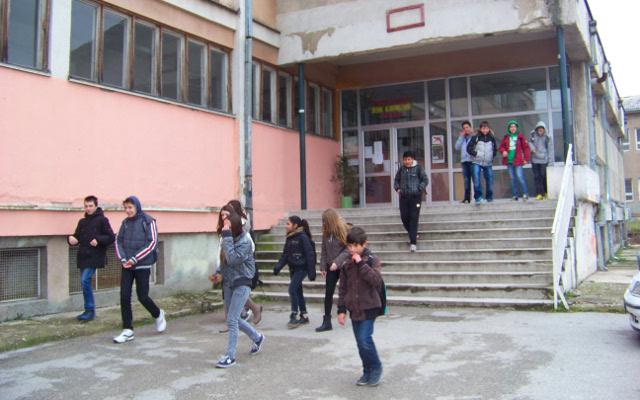 """Гимназијата """"Сами Фрашери"""" да се пресели во училиштето """"Вук Караџиќ"""", бара советникот Муадини"""