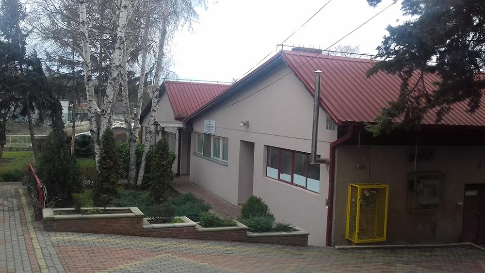 Пет негователки и 8 деца од јасли во изолација откако негователка во кумановската градинка позитивна на ковид-19