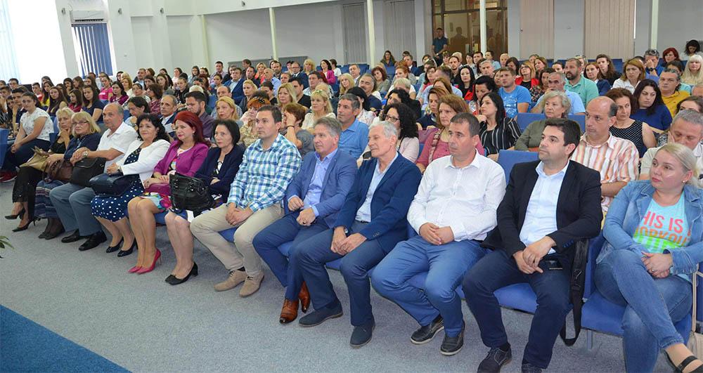 Прогласени ученици на генерацијата во Куманово и Старо Нагоричане