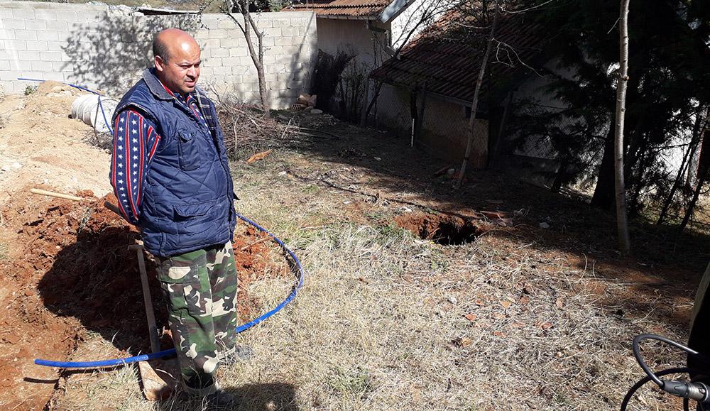 """Дупка над скривница се отвори помеѓу две куќи во """"Багрем Бања"""""""