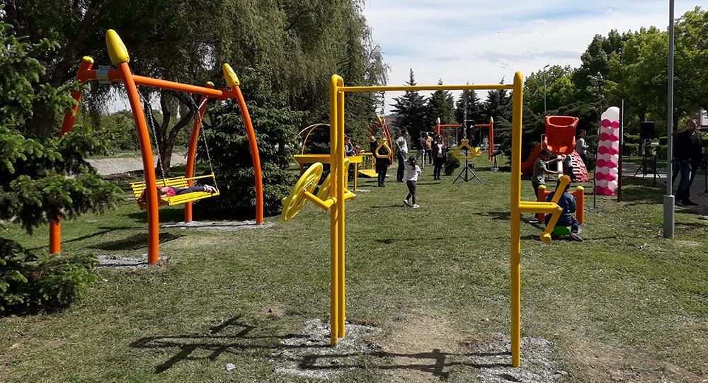 Куманово доби инклузивно детско игралиште