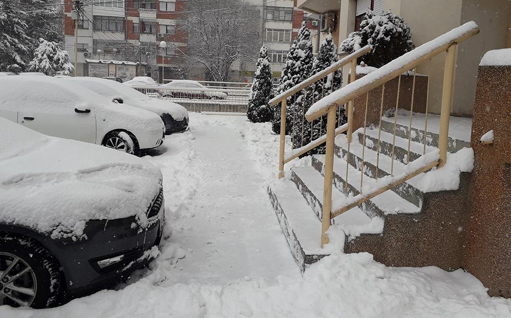 1000 евра казна за нерасчистен снег пред фирмите и дуќаните