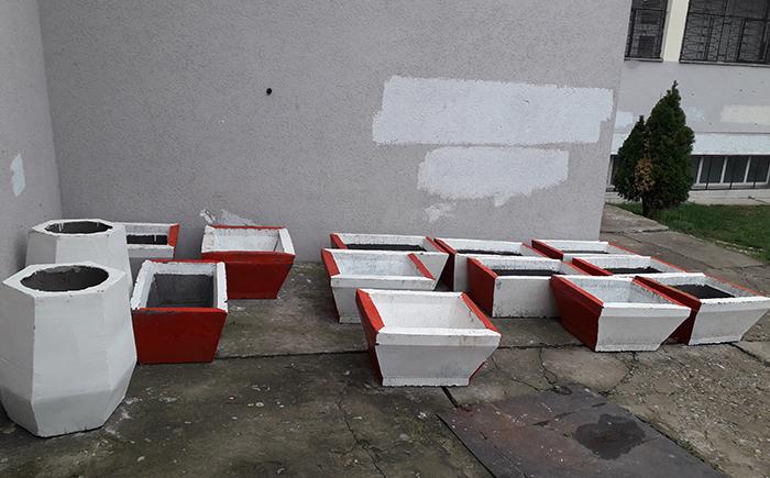 Затворениците од К`шање изработија урбана опрема