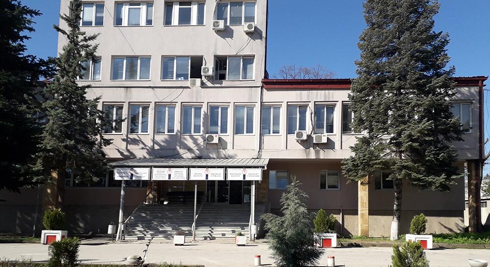 Се однесувал агресивно, па се обидел да се пресмета со вработени во Кумановската болница