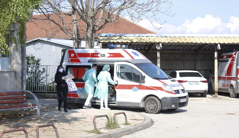 Еден починат, 52 новозаболени и 49 оздравени од коронавирус во Куманово