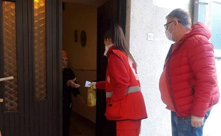 Црвен крст ќе им помага на старите лица во набавка на храна и лекови