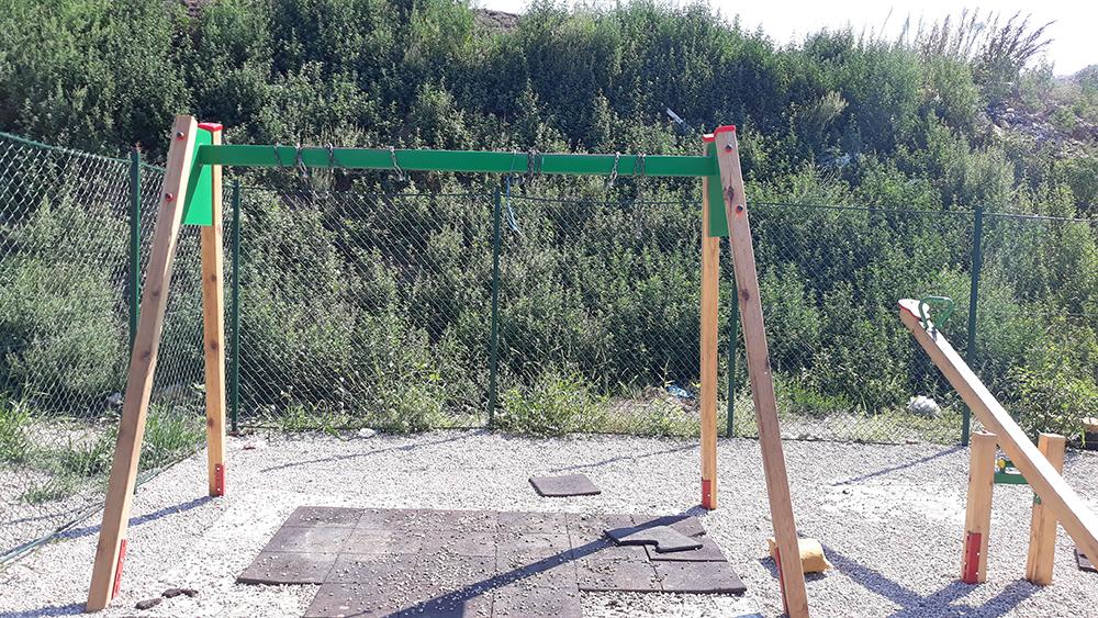 """Уништено новото детско катче во населбата """"Бавчи"""""""