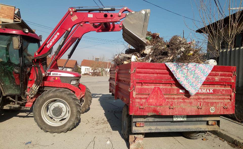 """Над 15 кубици смет изнесени од дивата депонија на """"Киро Антевски"""""""