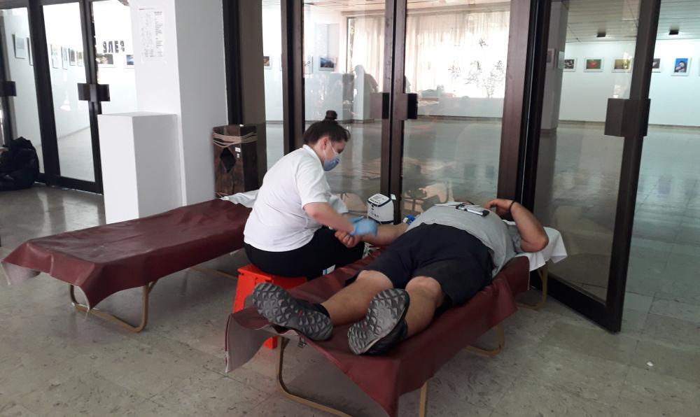 Успешна крводарителска акција во Куманово, за 4 часа собрани 40 единици крв