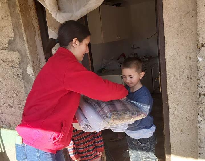 Црвен крст однесе помош на семејството Спасиќ во Ново Село