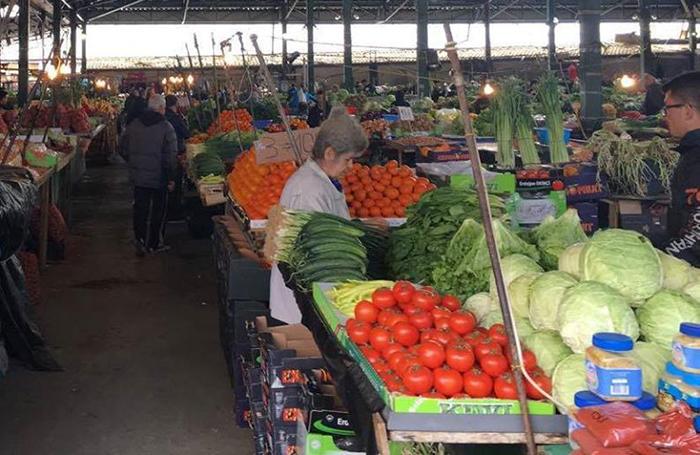 Пазарџиите ослободени од плаќање на закупнина за тезгите додека не работеа пазарите