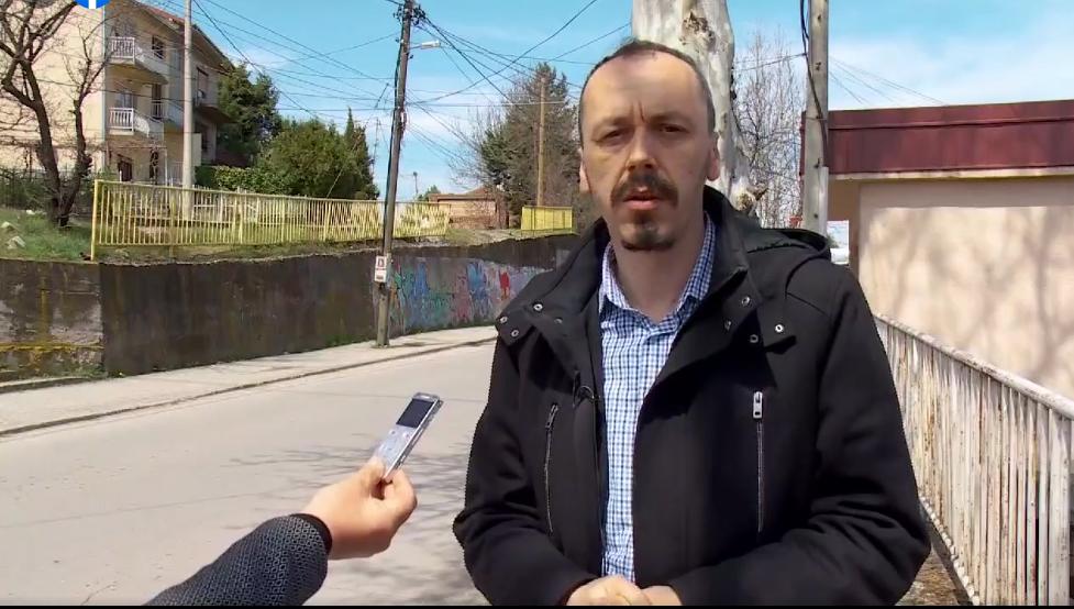 """Скршената ограда на """"Тоде Думба"""" е опасност за возачите и пешаците и под итно да се поправи, побара пратеникот Петрушевски"""