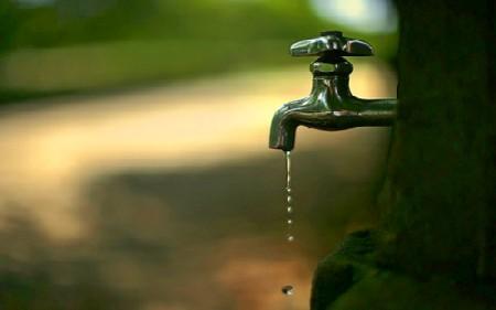 Без вода потрошувачите на четири улици