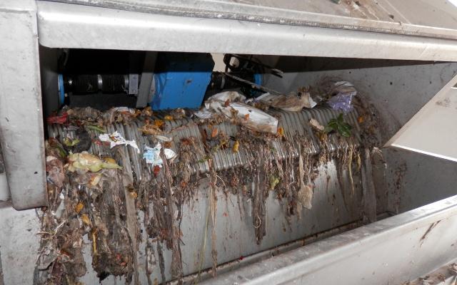 Текстил и влошки во филтрите на пречистителната станица