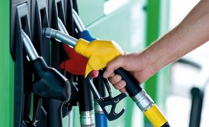 Бензините поевтинуваат за половина, дизелот за еден денар