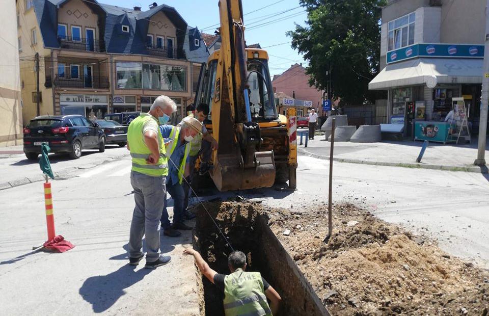 """Се гради атмосферска канализација на улицата """"Христијан Карпош"""" во Куманово"""