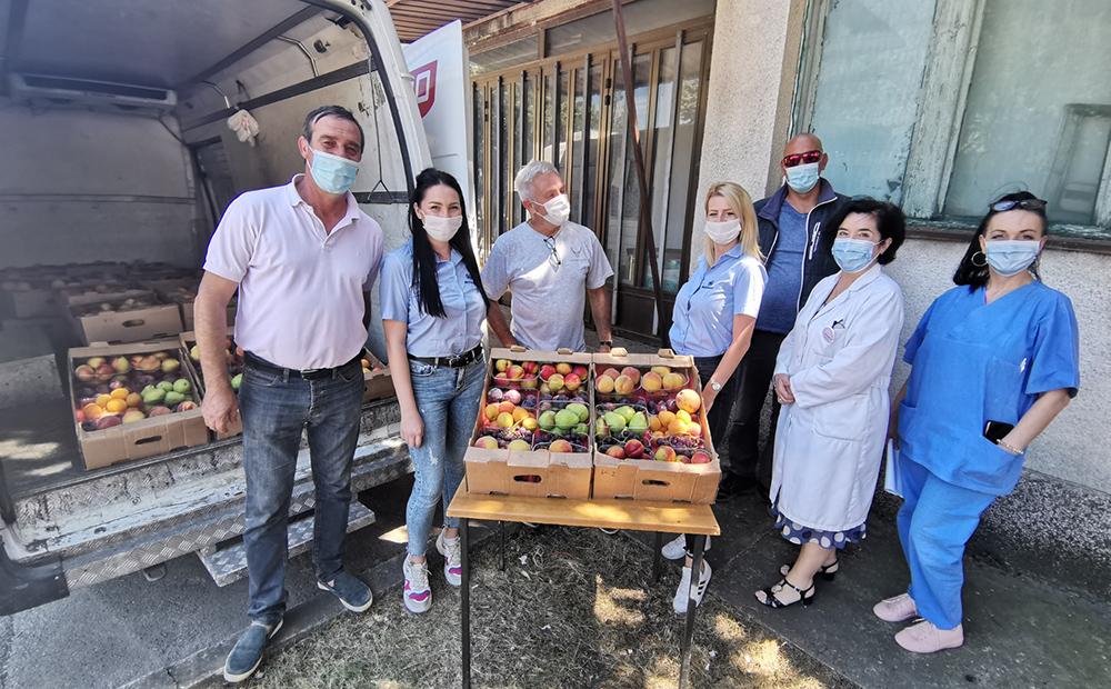 Mozzart донираше свежо овошје за здравствените работници во Општата болница во Куманово