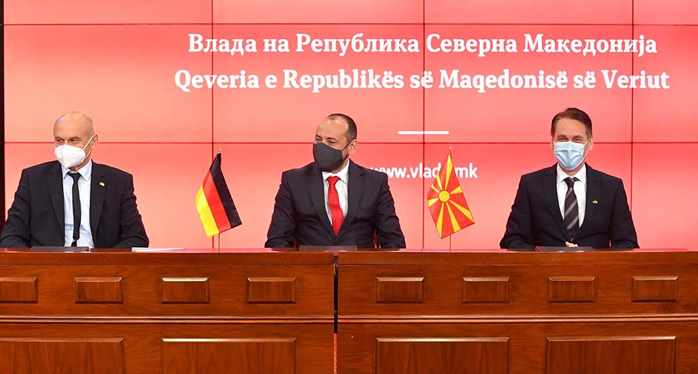 """""""Дрекслмајер"""" ќе добие државна помош од 16 милиони евра за новите инвестиции во Куманово и Кавадарци"""