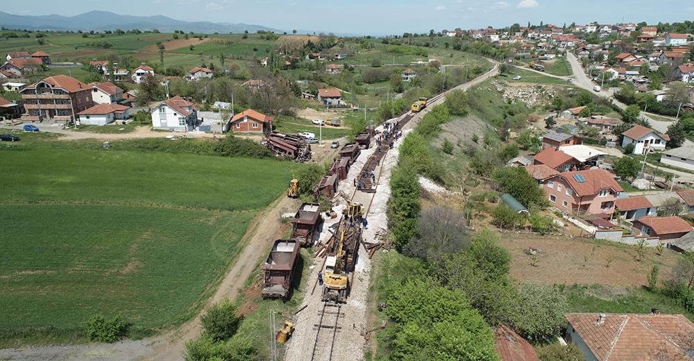 Поправена пругата во Романовце, од утре се нормализира железничкиот сообраќај
