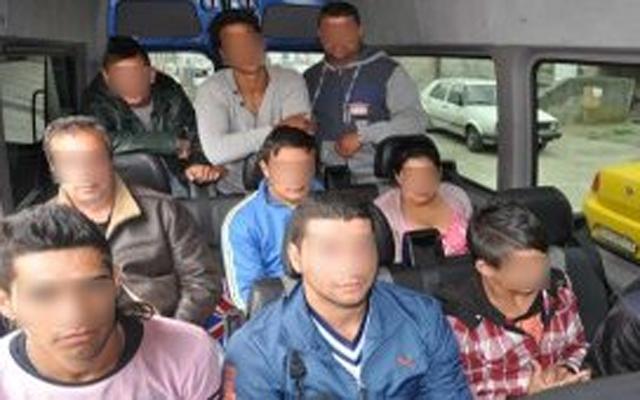 Двајца Пакистанци држеле во заложништво други 19 мигранти во Ваксинце