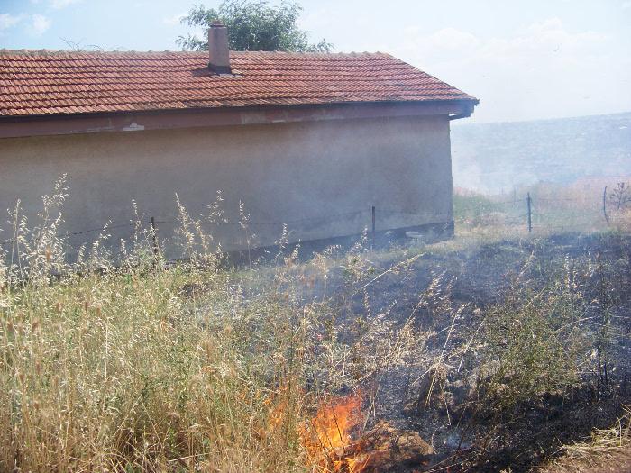 "Два пожари на отворено во ""Перо Чичо"""