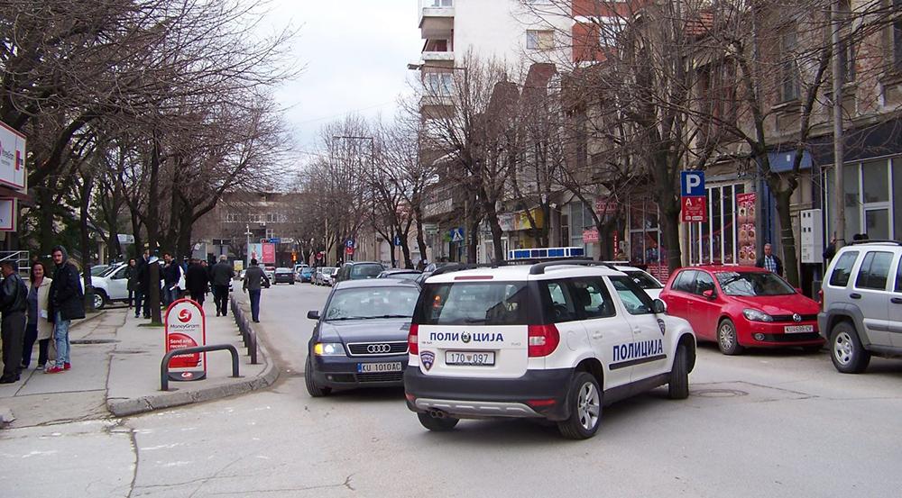 Двајца кратовци го прекршиле полицискиот час, се соочуваат со драконска парична казна