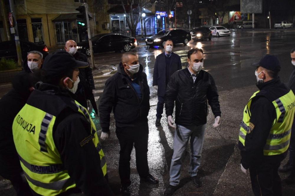 Министерот Чулев во посета на полициските службеници во Куманово