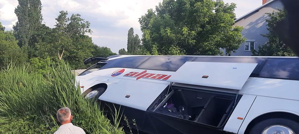 Се преврте турски автобус во Куманово, трoјца повредени