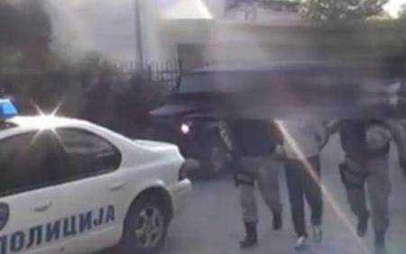 Кумановец се обидел да прегази полицаец, неговиот сопатник пукал од пиштол