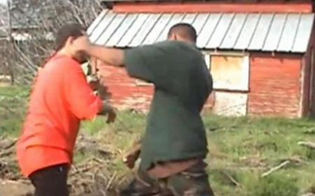 Истепале соселанец затоа што извадил столбови од нива