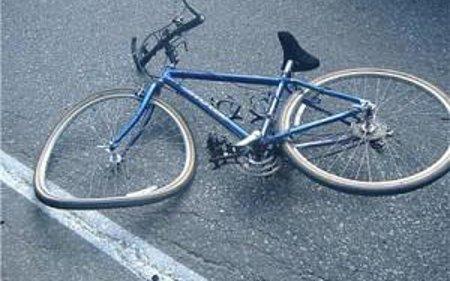 Велосипед удрил во жена и ја повредил