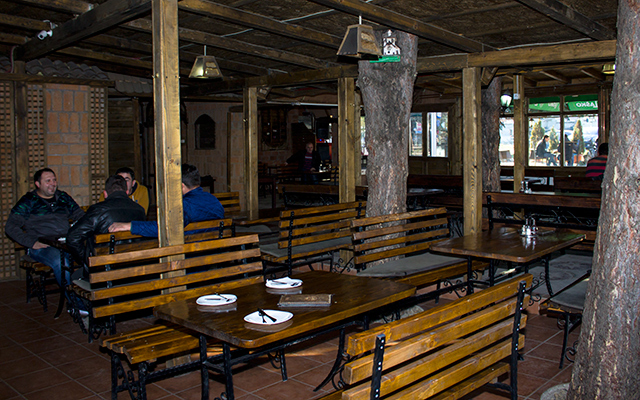 Ресторан Браво во етно руво
