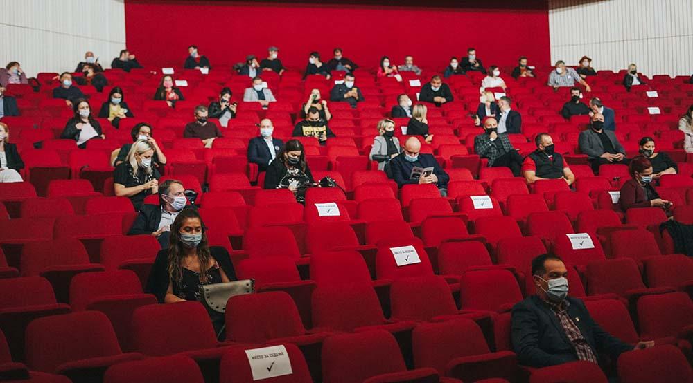 Гратис билети за претставите на Денови на комедија