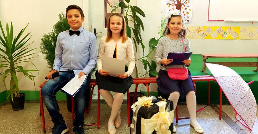 """Учениците го одбележа патронот на училиштето """"11 Октомври"""""""