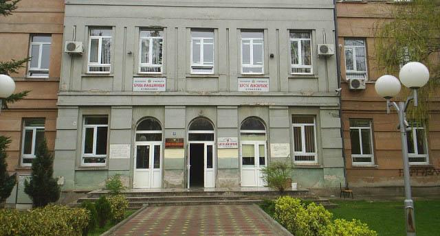 Во Куманово прваче позитивно на коронавирус, учителката и неговите другарчиња во изолација