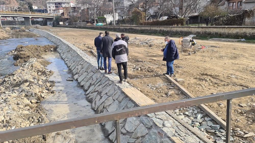 Се доуредува коритото на Крива Река во градското подрачје