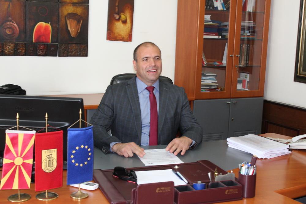 """Честитка од градоначалникот Димитриевски за """"11 Октомври"""""""