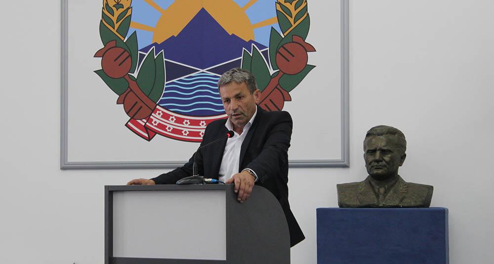 Јовановиќ реизбран за претседател на Српска странка