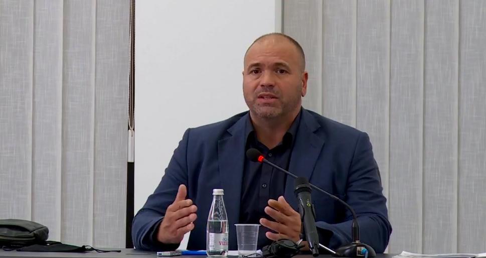 Димитриевски се огради од Бучковски - неговите тези ги смета за велепредавство