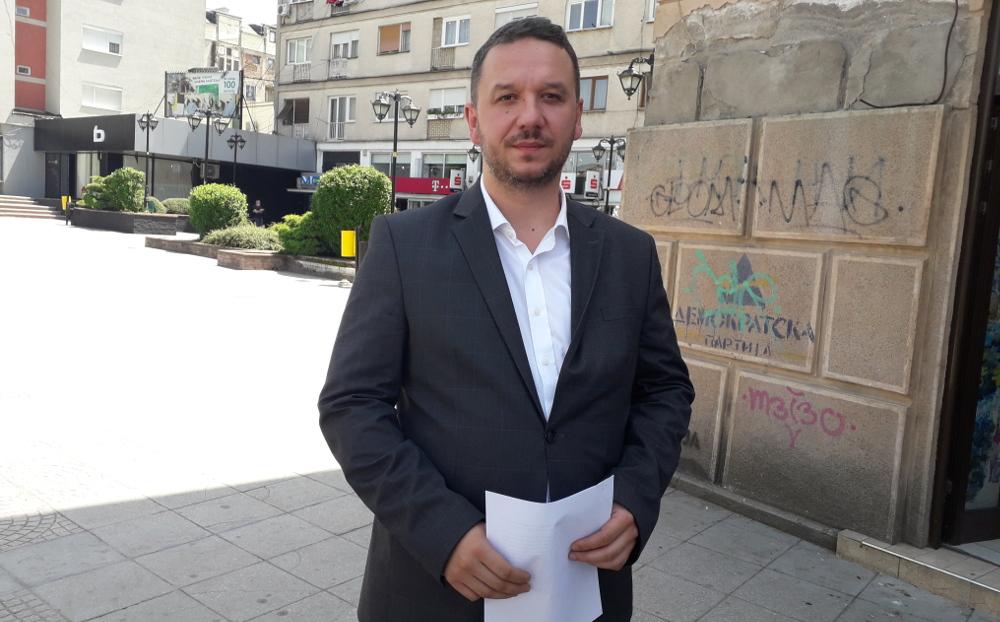 Костовски во самоизолација поради контакт со Лукаревска